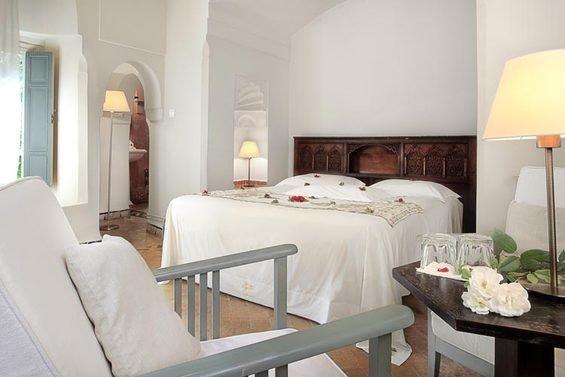 Фотография: Спальня в стиле Прованс и Кантри, Дома и квартиры, Городские места – фото на INMYROOM
