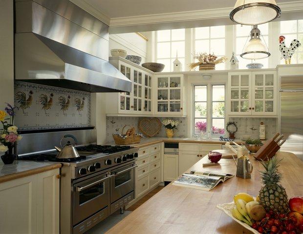 Фотография: Кухня и столовая в стиле Прованс и Кантри, Декор интерьера, Декор дома, Советы – фото на InMyRoom.ru
