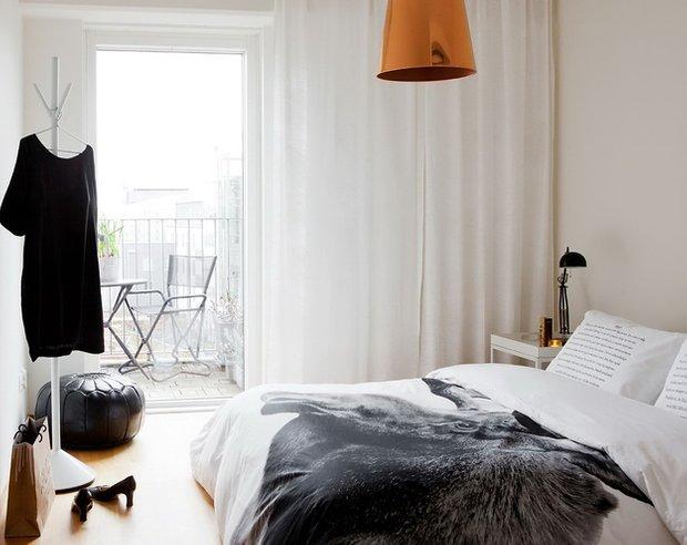 Фотография: Спальня в стиле Скандинавский, Малогабаритная квартира, Квартира, Австралия, Цвет в интерьере, Дома и квартиры, Белый, Ретро – фото на INMYROOM
