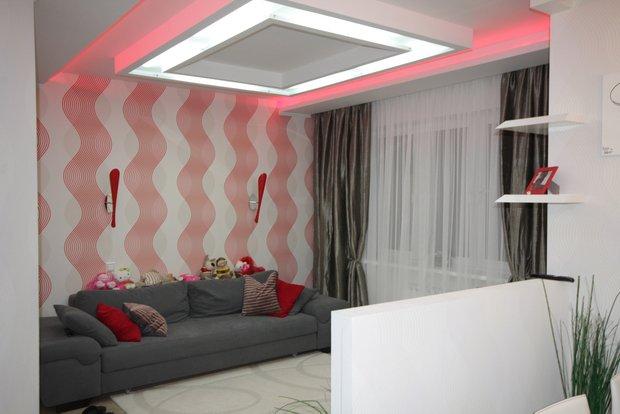Фотография: Гостиная в стиле , Малогабаритная квартира, Квартира, Цвет в интерьере, Дома и квартиры, Белый – фото на INMYROOM
