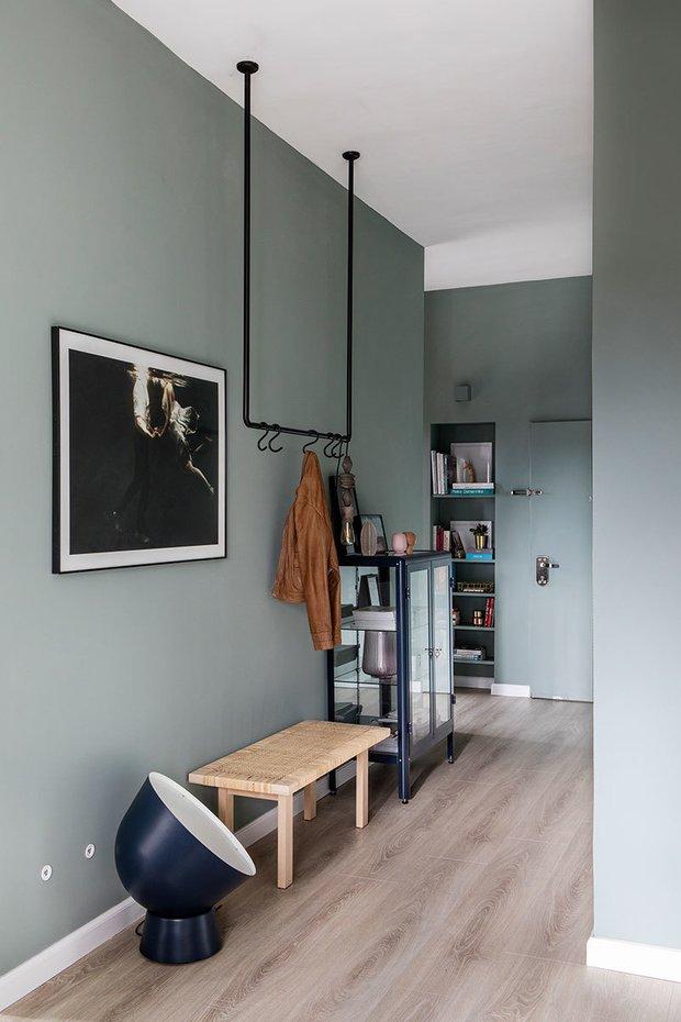 Фотография: Прихожая в стиле Скандинавский, Декор интерьера, Квартира, Зеленый, Розовый, 3 комнаты, 60-90 метров – фото на INMYROOM