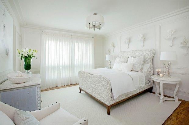 Фотография: Спальня в стиле Скандинавский, Декор интерьера, Малогабаритная квартира, Квартира, Дома и квартиры, Советы, Зеркало – фото на InMyRoom.ru