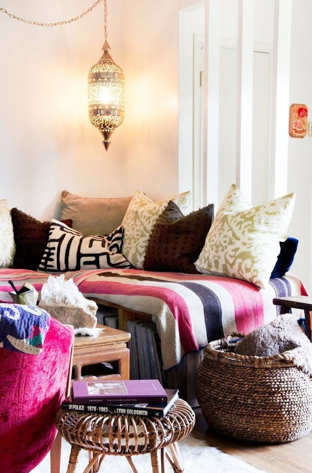 Фотография: Спальня в стиле Восточный, Декор интерьера, Мебель и свет – фото на INMYROOM