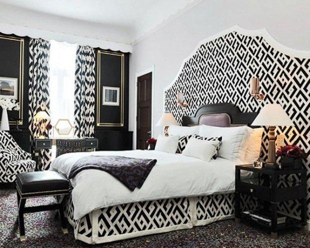 Фотография: Спальня в стиле Восточный, Классический, Декор интерьера, Интерьер комнат, Цвет в интерьере, Белый, Черный, Серый – фото на InMyRoom.ru