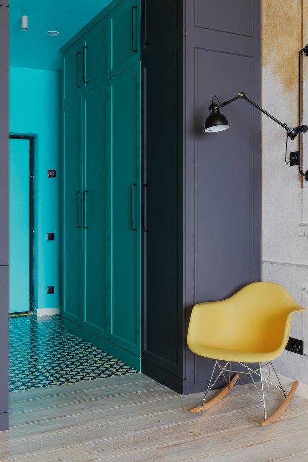 Фотография: Прихожая в стиле Эклектика, Малогабаритная квартира, небольшая спальня – фото на INMYROOM