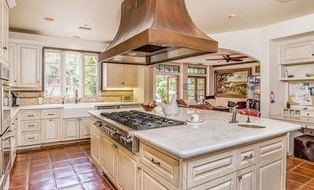 Фотография: Кухня и столовая в стиле Прованс и Кантри, покупки – фото на INMYROOM