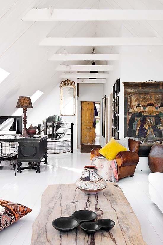 Фотография: Гостиная в стиле Эклектика, Декор интерьера, Декор, Советы, фэншуй – фото на INMYROOM