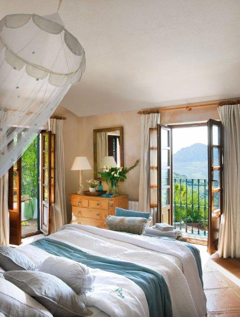 Фотография: Спальня в стиле Прованс и Кантри, Дом, Дома и квартиры, Средиземноморский – фото на INMYROOM