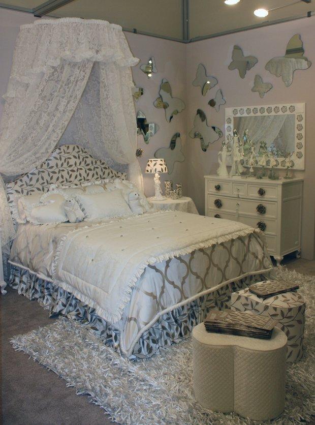 Фотография: Спальня в стиле Классический, Современный, Artemide, Flos, PROVASI, Индустрия, События, Маркет, Мягкая мебель, Missoni, Пэчворк, Porada, LLADRO – фото на INMYROOM