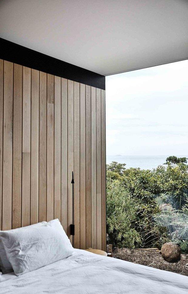 Фотография: Спальня в стиле Минимализм, Дом, Бежевый, Серый, Эко – фото на INMYROOM