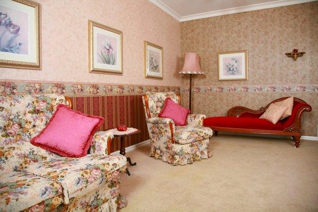 Фотография: Гостиная в стиле Прованс и Кантри, Франция, Интерьер комнат – фото на INMYROOM