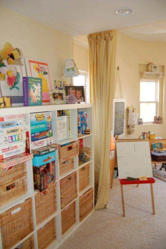 Фотография: Детская в стиле Современный, Декор интерьера, Дом, Декор дома, Системы хранения, Шторы – фото на INMYROOM