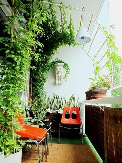 Фотография: Балкон в стиле Эклектика, Прованс и Кантри, Квартира, Декор, Советы, как обустроить открытый балкон, городской балкон, открытый балкон, идеи для открытого балкона – фото на INMYROOM