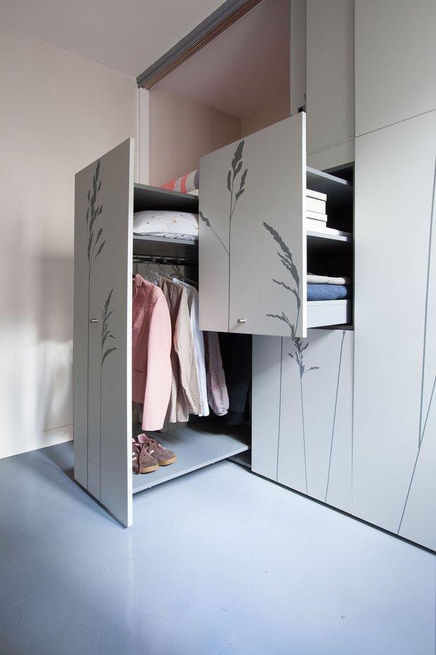 Фотография: Спальня в стиле Классический, Современный, Малогабаритная квартира, Студия, Белый – фото на INMYROOM