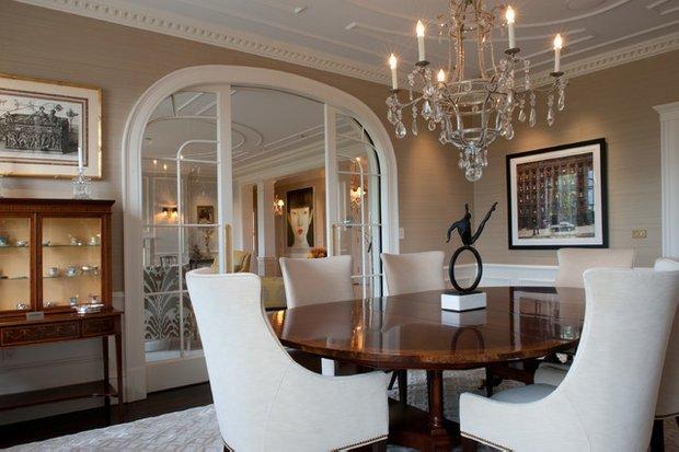 Фотография: Гостиная в стиле Классический, Квартира, Дома и квартиры, Пентхаус, Картины – фото на INMYROOM