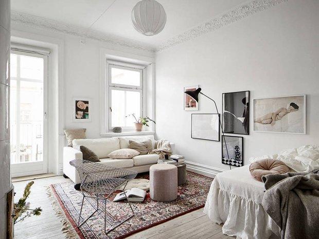Фотография:  в стиле , Лофт, Современный, Эклектика, Декор интерьера, Квартира, Швеция, Декор, Мебель и свет, Белый, Минимализм, Гетеборг, 1 комната, до 40 метров, Эмма Фишер – фото на INMYROOM
