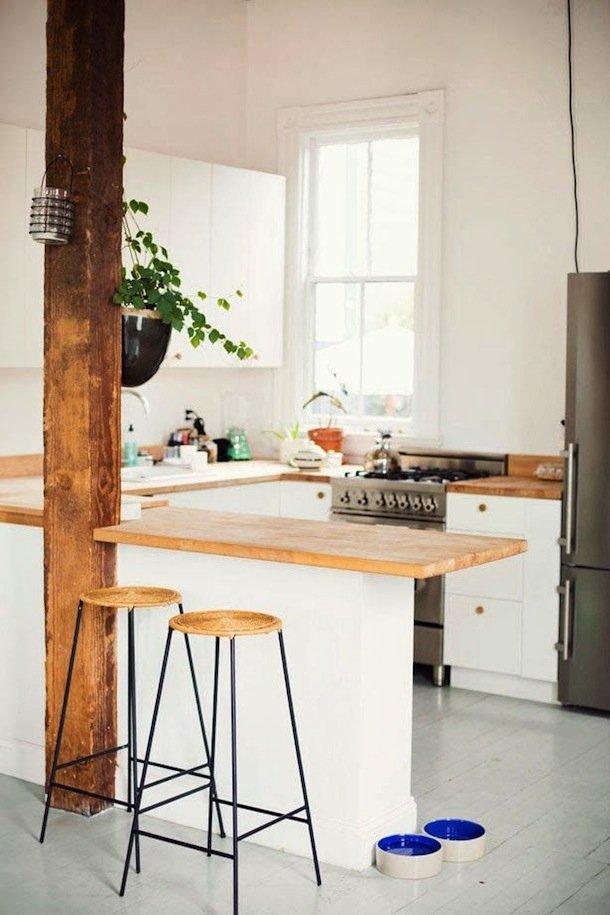 Фотография: Кухня и столовая в стиле Прованс и Кантри, Эко, Современный, Малогабаритная квартира, Квартира, Мебель и свет, дизайн маленькой кухни, как обустроить маленькую кухню, идеи для маленькой кухни, kuhnya-8-kv-metrov – фото на INMYROOM