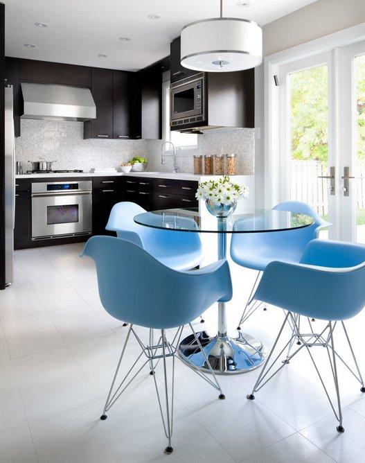 Фотография: Кухня и столовая в стиле Современный, Декор интерьера, Дизайн интерьера, Цвет в интерьере, Черный, Желтый, Синий, Серый – фото на INMYROOM