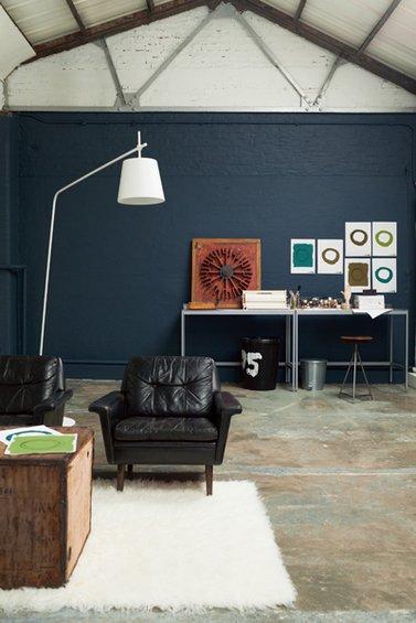 Фотография: Гостиная в стиле Лофт, Декор интерьера, Дизайн интерьера, Цвет в интерьере, Dulux, ColourFutures, Akzonobel, Краски – фото на INMYROOM
