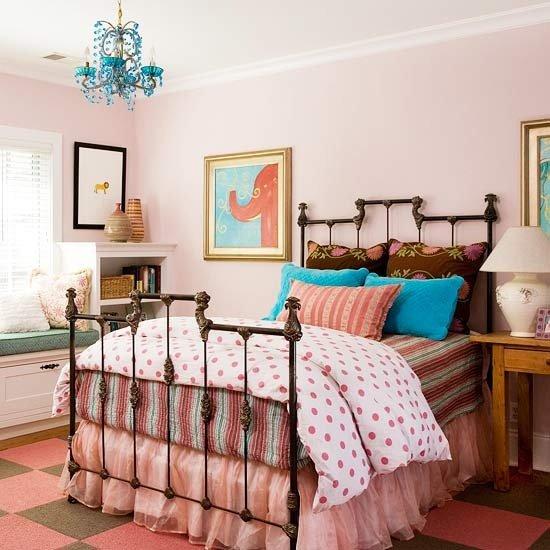 Фотография: Спальня в стиле Прованс и Кантри, Классический, Декор интерьера, DIY, Мебель и свет, Советы, Люстра – фото на INMYROOM