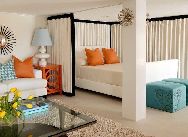 Фотография: Спальня в стиле , Декор интерьера, Малогабаритная квартира, Квартира, Дом, Планировки – фото на INMYROOM