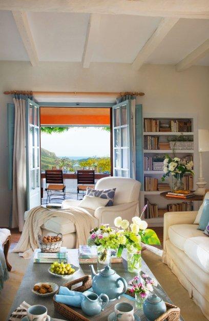 Фотография: Гостиная в стиле Прованс и Кантри, Дом, Дома и квартиры, Средиземноморский – фото на INMYROOM