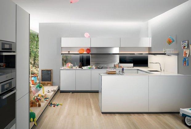 Фотография: Кухня и столовая в стиле Современный, Хай-тек, Интерьер комнат, Советы – фото на INMYROOM
