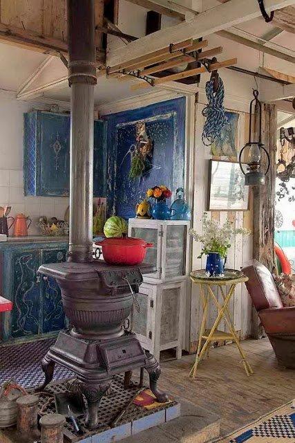 Фотография: Декор в стиле Прованс и Кантри, Декор интерьера, Дом, Декор дома, Камин – фото на INMYROOM