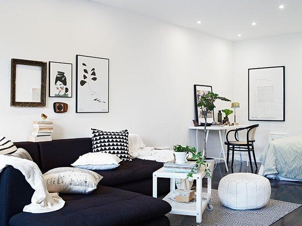 Фотография: Гостиная в стиле Скандинавский, Современный, Декор интерьера, Малогабаритная квартира, Квартира, Швеция, Дома и квартиры – фото на INMYROOM