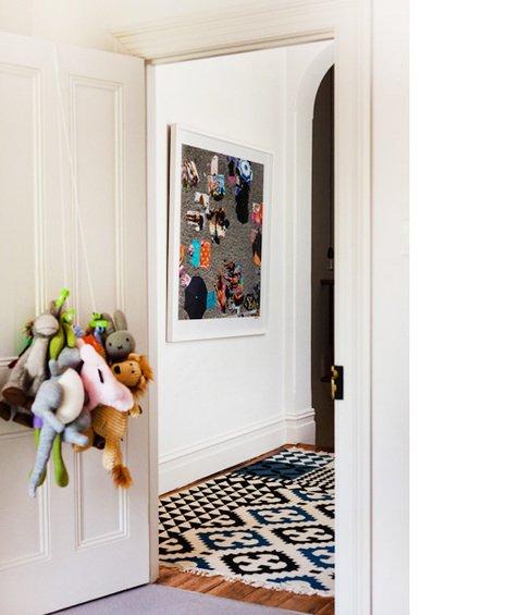 Фотография: Мебель и свет в стиле Современный, Хай-тек, Декор интерьера, Дом, Цвет в интерьере, Дома и квартиры, Стены – фото на INMYROOM