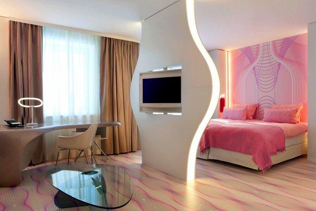 Фотография: Спальня в стиле Современный, Стиль жизни, Советы, Карим Рашид – фото на INMYROOM