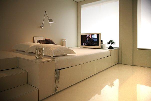 Фотография: Спальня в стиле Современный, Малогабаритная квартира, Квартира, Россия, Дома и квартиры, Нью-Йорк, Париж, Мебель-трансформер – фото на InMyRoom.ru
