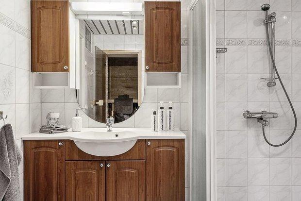 Фотография: Ванная в стиле Современный, Кухня и столовая, Гостиная, Декор интерьера, Дом, Швеция, Стокгольм, как создать уютную атмосферу, 4 и больше, Более 90 метров, гостеприимный интерьер – фото на INMYROOM