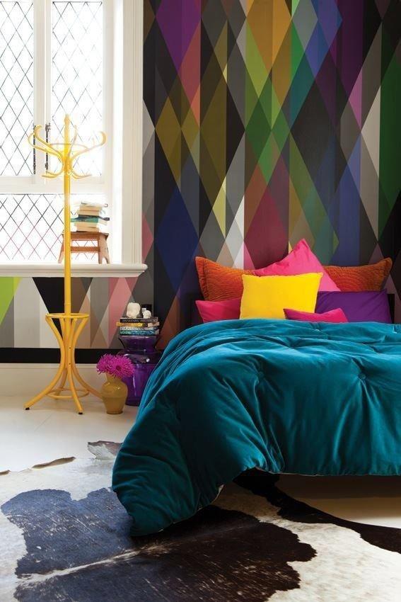 Фотография: Спальня в стиле Эклектика, Индустрия, Новости, Обои, Геометрия в интерьере – фото на INMYROOM