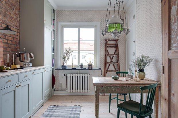 Фотография: Кухня и столовая в стиле Скандинавский, Декор интерьера, Квартира, Швеция, Гетеборг, скандинавский интерьер, Отделка стен, интерьер с кирпичной кладкой, 2 комнаты, 60-90 метров – фото на INMYROOM