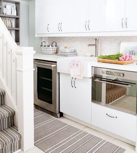Фотография: Кухня и столовая в стиле Скандинавский, Декор, Стиль жизни, Советы, Камин, Плед – фото на INMYROOM