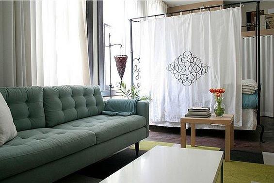 Фотография: Гостиная в стиле Скандинавский, Декор интерьера, Декор дома, Ширма, Перегородки – фото на INMYROOM