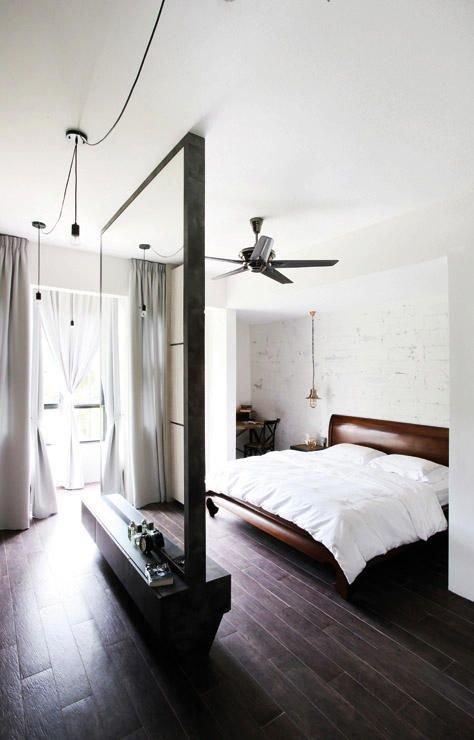 Фотография: Спальня в стиле Лофт, Малогабаритная квартира, Квартира, Советы, Бежевый, Бирюзовый, Зонирование, как зонировать комнату, как зонировать однушку, как зонировать однокомнатную квартиру – фото на INMYROOM