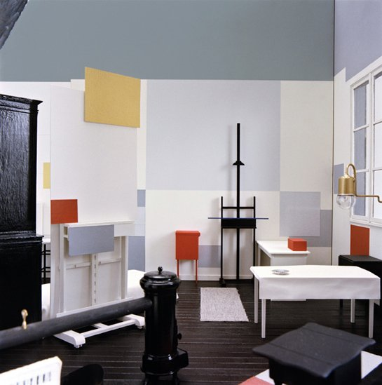 Фотография: Декор в стиле , Декор интерьера, Декор дома, Цвет в интерьере, Кресло, Шкаф – фото на INMYROOM