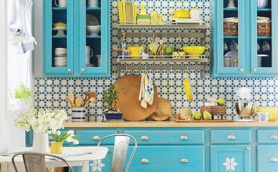 Фотография: Кухня и столовая в стиле Прованс и Кантри, Интерьер комнат, Переделка – фото на INMYROOM