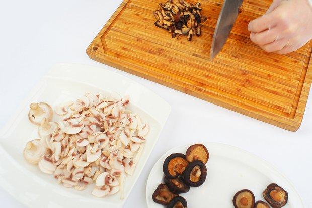 Фотография:  в стиле , Обед, Ужин, Основное блюдо, Жарить, Птица, Кулинарные рецепты, 30 минут, Пришли гости – фото на INMYROOM