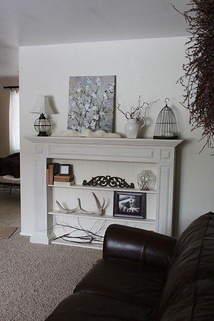 Фотография: Гостиная в стиле , Декор интерьера, Декор дома, Камин – фото на INMYROOM