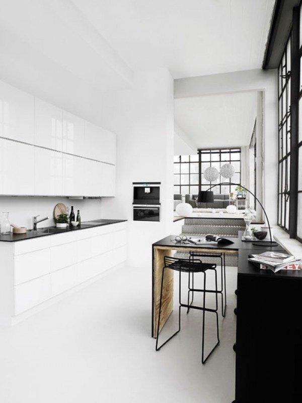 Фотография: Кухня и столовая в стиле Современный, Интерьер комнат, Барная стойка – фото на INMYROOM