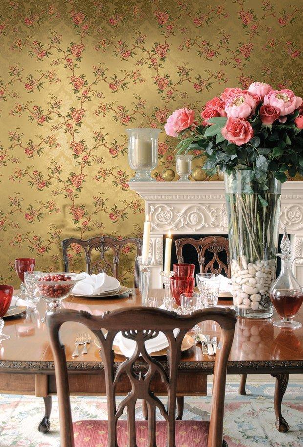 Фотография: Кухня и столовая в стиле Прованс и Кантри, Гостиная, Интерьер комнат, Картины, Зеркало – фото на INMYROOM