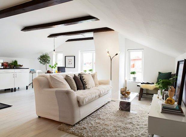 Фотография: Гостиная в стиле Скандинавский, Малогабаритная квартира, Квартира, Дома и квартиры, Мансарда – фото на INMYROOM