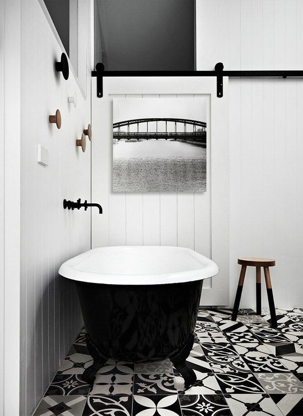 Фотография: Ванная в стиле Скандинавский, Декор интерьера, Декор, Декор дома, Современное искусство – фото на INMYROOM