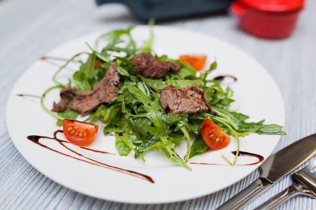 Фотография:  в стиле , Обед, Ужин, Салат, Гриль, Итальянская кухня, Кулинарные рецепты, 30 минут – фото на INMYROOM