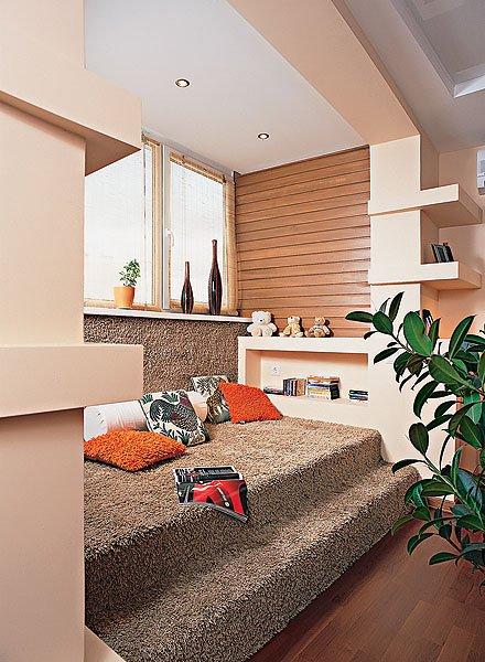 Фотография:  в стиле Современный, Декор интерьера, Квартира, Мебель и свет, Подиум – фото на INMYROOM