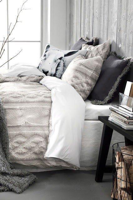 Фотография:  в стиле , Спальня, Декор интерьера, Советы – фото на INMYROOM