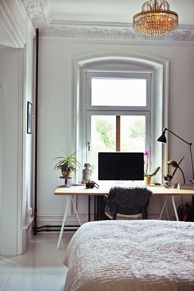 Фотография: Спальня в стиле Скандинавский, Кабинет, Интерьер комнат – фото на INMYROOM